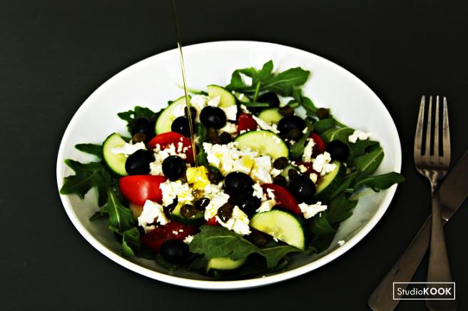 snelle-griekse-salade-studiokook-demi-hageman-verkleind