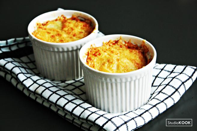 Eenpersoons aardappelgratin 1 StudioKOOK Demi Hageman verkleind.png
