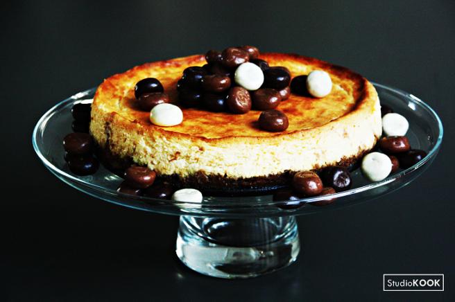 Witte chocoladecheesecake pepernoten 3 StudioKOOK Demi Hageman verkleind.png