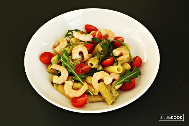 pasta-pesto-met-garnalen-5-studiokook-demi-hageman-verkleind