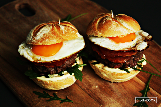 eiburger-met-spek-en-rucola-2-studiokook-demi-hageman-verkleind