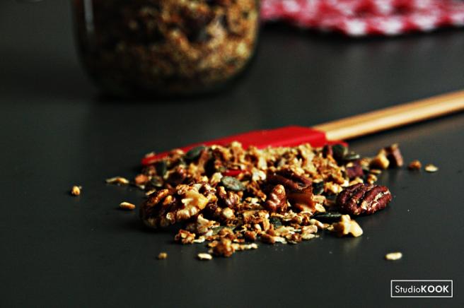 Huisgemaakte granola 1 StudioKOOK Demi Hageman verkleind.png