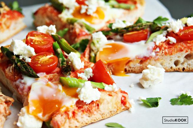 Turks brood pizza 3 StudioKOOK Demi Hageman verkleind.png