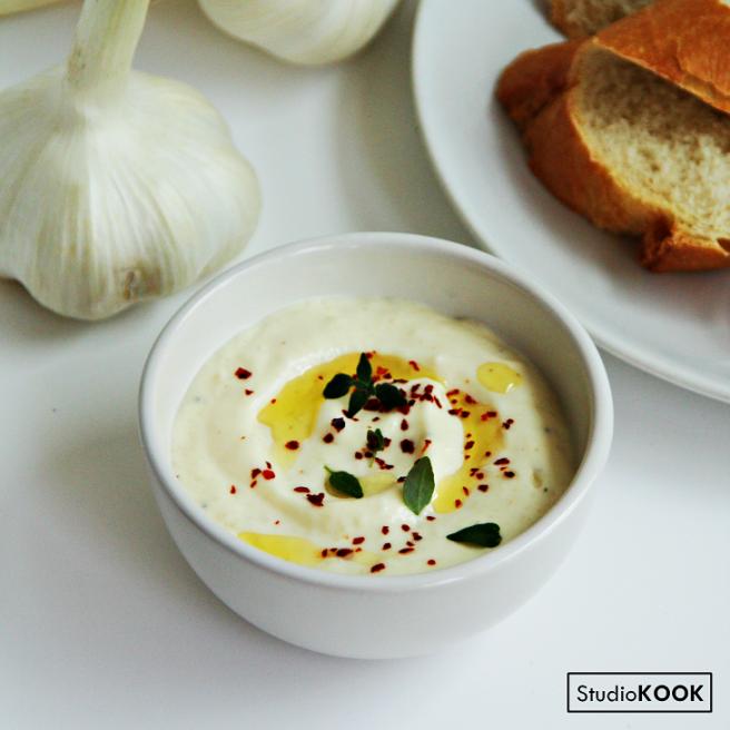 Dip gepofte knoflook 1 Instagram StudioKOOK Demi Hageman verkleind.png